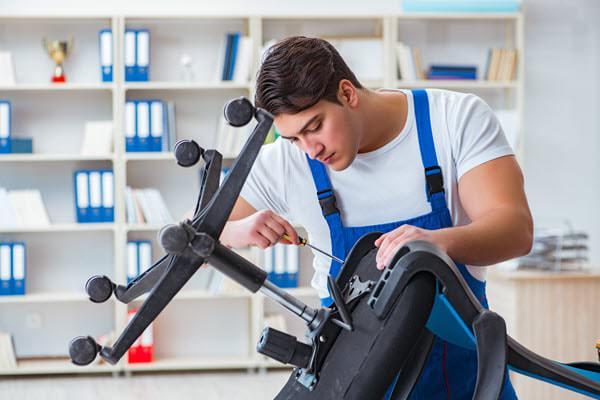 تعمیر و تعویض چرخ خراب صندلی اداری